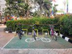 fasilitas-parkir-sepeda-di-kantor-kelurahan-koja-jakarta-utara.jpg