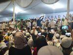 foto-situasi-maulid-nabi-dan-pernikahan-putri-habib-rizieq-di-petamburan-4.jpg