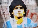 grafiti-diego-maradona-di-buenos-aires-argentina-gambar-diambil-pada-24-november.jpg