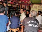 gubernud-dki-jakarta-anies-baswedan-membagikan-pengalamannya-di-sebuah-warung-kopi.jpg