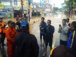 gubernur-banten-wahidin-halim-saat-memantau-banjir.jpg