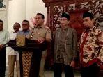 gubernur-dki-jakarta-anies-baswedan-bersama-petinggi-partai-gerindra-dan-pks.jpg
