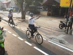 gubernur-dki-jakarta-anies-baswedan-menjajal-jalur-sepeda-2.jpg