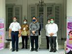 gubernur-dki-jakarta-anies-baswedan-paling-kiri-telah-mencanangkan-vaksinasi.jpg