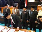 gubernur-dki-jakarta-anies-baswedan-saat-menandatangani-mou.jpg