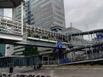 halte-bus-transjakarta-sarinah-di-jalan-mh-thamrin.jpg