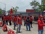 hari-kedua-aksi-unjuk-rasa-buruh-rabu-7102020.jpg