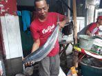 ikan-bandeng-di-rawa-belong-kebon-jeruk-jakarta-barat-jumat-122019.jpg
