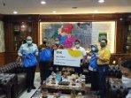 ikea-indonesia-memberikan-bantuan-1500-paket-sembako-kepada-pemkot-tangerang.jpg