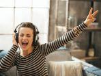 ilustrasi-bahagia-mendengarkan-musik_20180305_130326.jpg