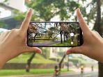 ilustrasi-foto-dengan-kamera-smartphone.jpg