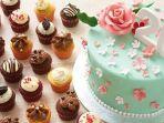 ilustrasi-kue-kue-tart-dan-cupcakes-di-twelve-cupcakes-singapore.jpg