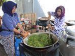 ilustrasi-warga-di-kampung-siaga-bencana-jakarta-utara-memasak-makanan.jpg
