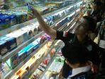 inspeksi-makanan-kedaluwarsa_20180322_165608.jpg
