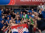 ivan-rakitic-dan-kroasia-usai-menang-atas-denmark_20180702_210624.jpg