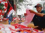 kakek-nanang-penjual-bendera_20180816_145437.jpg