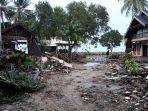 kawasan-mutiara-carita-resort-yang-terdampak-paling-parah-dari-gelombang-tsunami.jpg