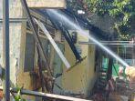 kebakaran-rumah-dinas-penjaga-sdn-12-pagi-cawang.jpg