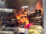 kebakaran-terjadi-di-gudang-limbah-sabtu-592020.jpg