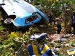 kecelakaan-bus-di-sukabumi_20180909_154241.jpg