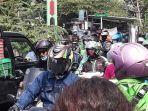 kemacetan-di-jalan-telaga-iv-pekayon-selasa-672021.jpg