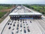 kendaraan-di-gerbang-tol-cikampek-utama-25122019.jpg