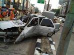 kendaraan-sedan-yang-terlibat-kecelakaan-tunggal-di-jalan-biak-cideng-jakarta-pusat.jpg