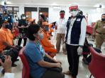 ketua-relawan-indonesia-bersatu-sandiaga-uno-saat-meninjau-pelaksanaan.jpg
