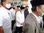 ketua-umum-dmi-jusuf-kalla-saat-salat-jumat-di-masjid-agung-al-azhar.jpg