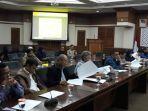 komisi-a-dprd-gelar-rapat-evaluasi-banjir-dengan-jajaran-pemkot-jakarta-barat.jpg