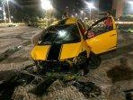 kondisi-mobil-sedan-kuning-yang-menerobos-area-kolam-bundaran-hi.jpg