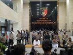 konferensi-pers-kasus-penyerangan-mabes-polri-jakarta-selatan-rabu-3132021.jpg