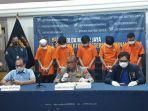 konferensi-pers-pengungkapan-kasus-perampokan-selasa-2612021.jpg