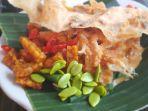 kuliner-khas-daerah-indonesia-yang-sudah-terkenal-enak-dan-legendaris-di-tmii.jpg