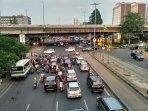 lalu-lintas-di-sekitar-rawa-buaya.jpg
