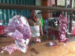 lapak-pedagang-daging-sapi-di-pasar-kramat-jati-jumat-1162021.jpg