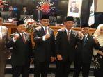 lima-orang-pimpinan-dprd-dki-dan-gubernur-anies-baswedan-usai-rapat-paripurna.jpg
