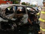 mobil-hangus-terbakar-di-jalan-tol.jpg