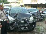 mobil-milik-pelaku-yang-menabrak-wanita-hamil-dan-suaminya-ringsek-di-bagian-depan.jpg