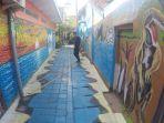 mural-3d-di-kampung-lawas-maspati-surabaya_20180611_104345.jpg