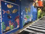 mural-bergambar-hewan-laut-menghiasi-kelurahan-pulau-untung-jawa.jpg