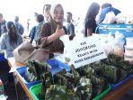 nuke-penjual-jongkong-khas-banjarmasin-yang-ada-di-pasar-benhil.jpg