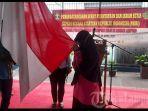 nurhasanah-mencium-bendera-merah-putih-simbol-k.jpg