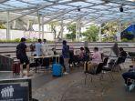 para-calon-penumpang-mendaftar-swab-pcr-di-terminal-3-bandara-soekarno-hatta-kamis-28102021.jpg