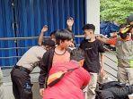 para-pelajar-yang-diamankan-di-jalan-gunung-sahari-raya.jpg