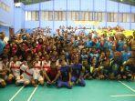 para-pelajar-yang-ikut-serta-dalam-perlombaan-bola-voli.jpg