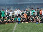 para-pemain-timnas-indonesia-foto-bersama.jpg