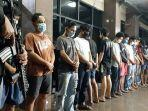 para-tersangka-kasus-tawuran-di-pasar-manggis-rabu-2172021.jpg