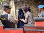 pasangan-suami-istri-ds-24-dan-dk-25-ditangkap-densus-88-antiteror.jpg
