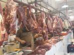 pedagang-daging-sapi-lokal-di-pasar-senen-jakarta-pusat_20180705_130053.jpg